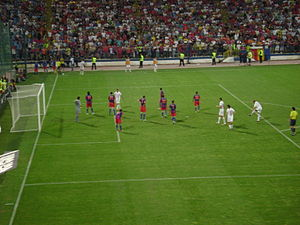 2009–10 FC Steaua București season - Corner kick during a match with Újpest FC.