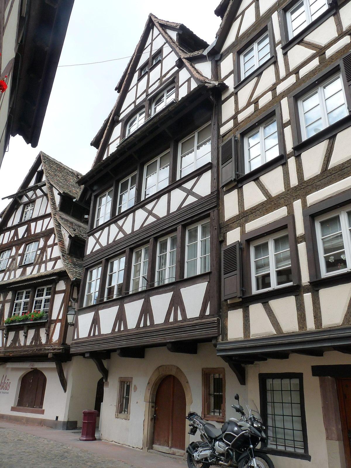 Maison au 27 rue du bain aux plantes strasbourg wikip dia for Rue du miroir strasbourg