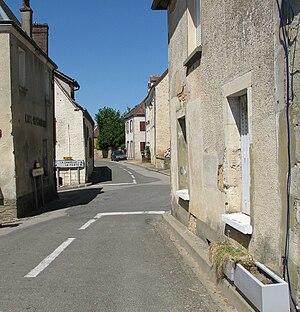 Bellou-le-Trichard - Image: Street Scene in Bellou le Trichard