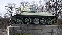 T-34 am Sowjetischen Ehrenmal im Tiergarten.jpg