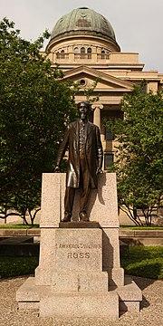 TAMU Sul Ross statue