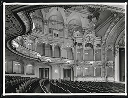 Theater am Schiffbauerdamm, N.N. [CC0], via Wikimedia Commons