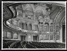 Theater am Schiffbauerdamm, N.N. [CC0], via Wikimedia Commons