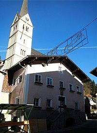Taenbach Riemerhaus u Kirche 1.jpg