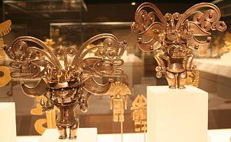 Tairona - Tairona figure pendants in gold