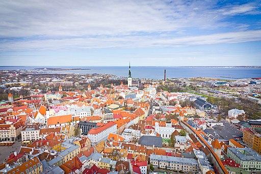 Tallinn Old Town Helicam 2012