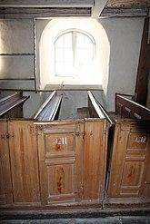 Fil:Tanum Svenneby gamla kyrka BBR 21400000549727 IMG 8047.JPG