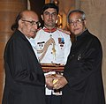 The President, Shri Pranab Mukherjee presenting the Padma Shri Award to Shri Nida Fazli, at an Investiture Ceremony-II, at Rashtrapati Bhavan, in New Delhi on April 20, 2013.jpg