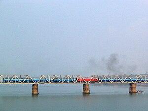 Netravati River - The Netravati railway bridge serves as the gateway to Mangalore.
