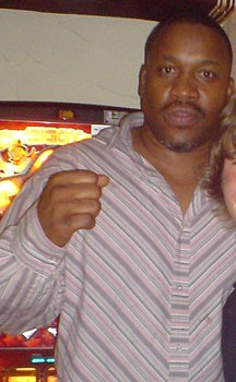 Tim Witherspoon in Apperknowle (cropped).JPG