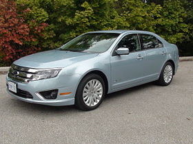 Tino Rossini's Reviews - 011 - 2010 Ford Fusion Hybrid.jpg