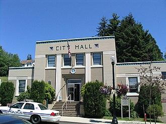 Toledo, Oregon - The city hall building in Toledo