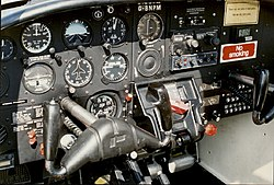 Piper aerostar wikivisually piper pa 38 tomahawk tomahawk cockpit fandeluxe Images