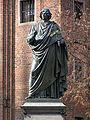 Torun pomnik Kopernika 01.jpg