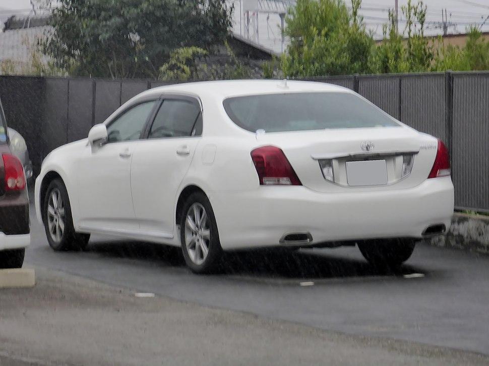 Toyota Crown Majesta - Howling Pixel