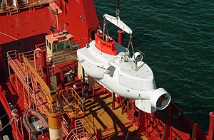 DSV Turtle - DSV Turtle hoisted from the deck of the support vessel MV Dolores Chouest