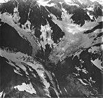 Tyeen Glacier, tidewater glacier junction, hanging glaciers, and glacial remnents, August 31, 1977 (GLACIERS 5946).jpg