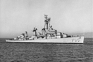 USS Preston (DD-795) underway in San Francisco Bay, California (USA), on 22 October 1966 (NH 99283)