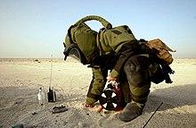 Bomb suit - Wikipedia