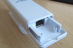Ubiquiti Picostation M2HP ports.jpg