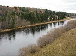 Ukhta River View from the road Ukhta-Sosnogorsk.jpg