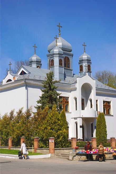 The Church of the Cross of the Lord is located in Kremenets and is part of the Ukrainian Lutheran Church, which uses the Byzantine Rite. Ukrlckremenec.jpg