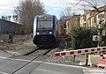 Venelles-gare train au PN.jpg