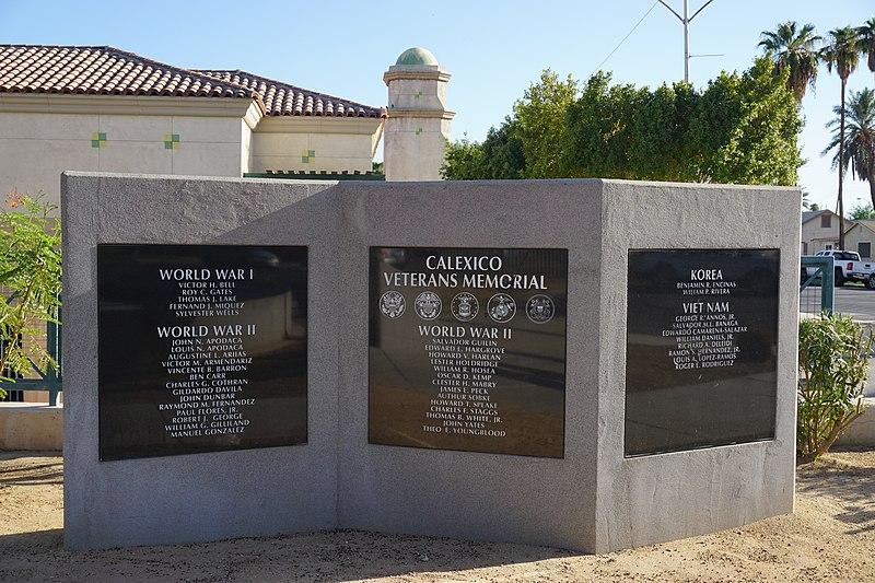 File:VeteranMemorialCalexico3.jpg