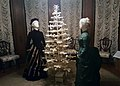 Victorian dresses and Christmas tree - Hay-McKinney Mansion (46478376391).jpg