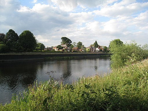 View across the Trent towards the north end of Fiskerton - geograph.org.uk - 2486491
