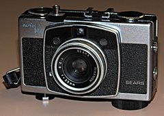 Vintage Sears Auto 35 Rangefinder Film Camera, Made In Japan (15957251711).jpg