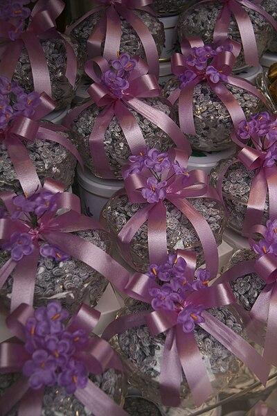 Archivo:Violetas-Madrid.jpg