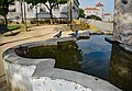 Visitors at the Fountain (36043465773).jpg