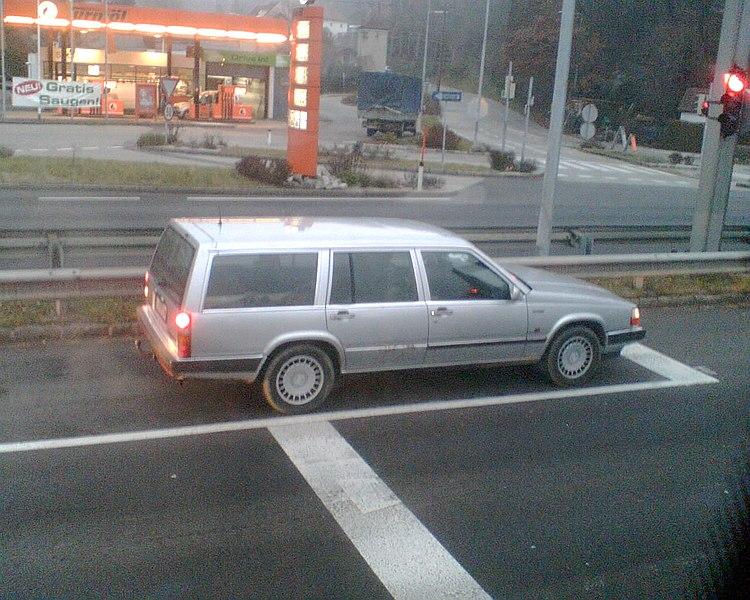 URL : https://commons.wikimedia.org/wiki/user:Volvo_S90