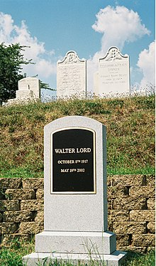 Walter Lord grave.jpg