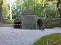 Warszawski Ogród Botaniczny - Ruiny Świątyni Opaczności - 08.jpg