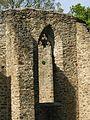 Weischlitz, Burgsteinruinen untere Kirche Fenster2.jpg