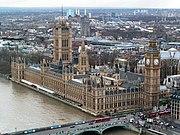 Westminsterský palác na břehu Temže v Londýně je sídlem britského parlamentu.