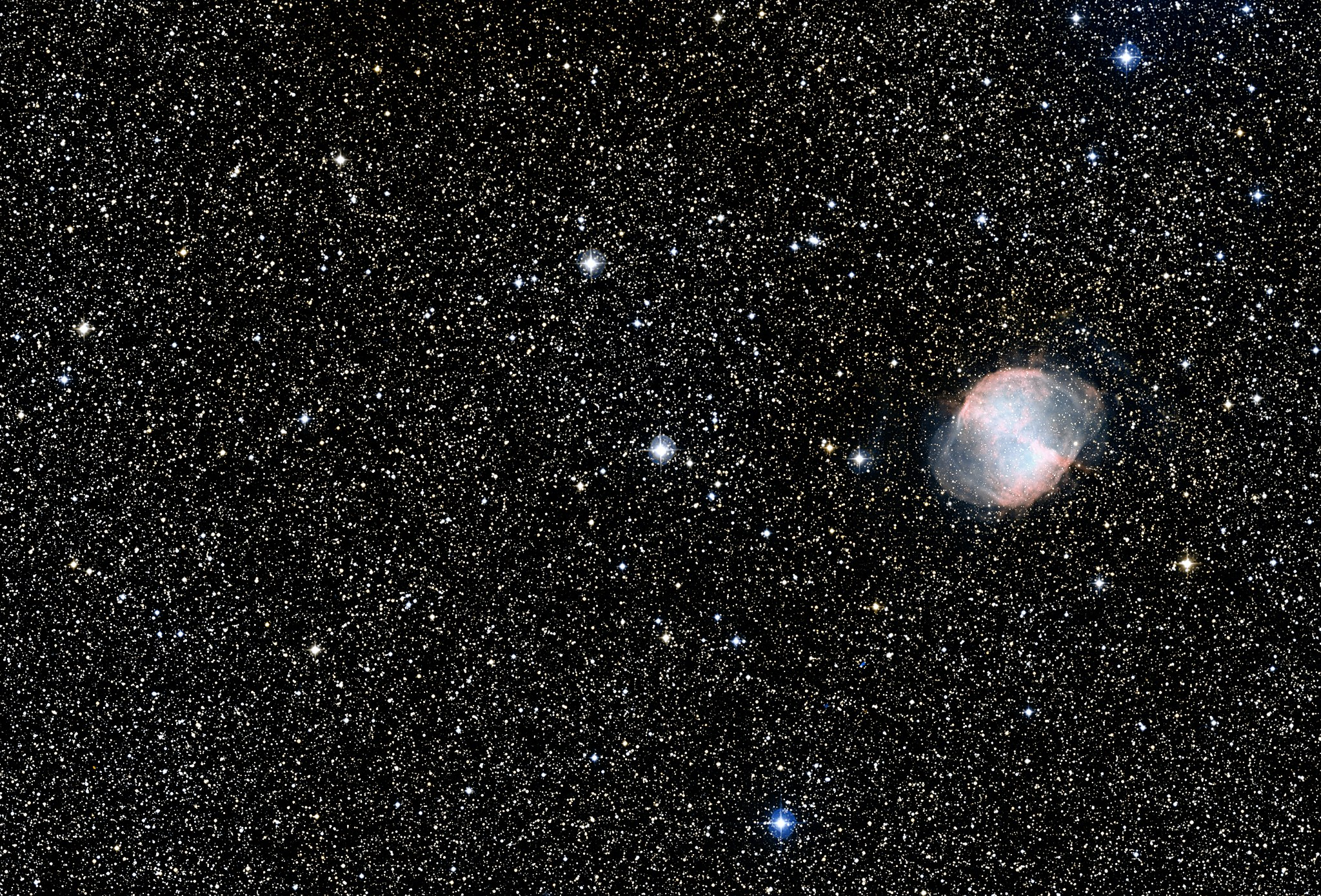 Wide-field view of HD 189733b and surroundings (DSS2 excerpt, ground-based image).jpg
