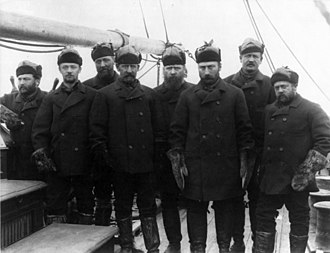 Winfield Scott Schley - Schley (4th from left) and the crew that rescued the survivors of Adolphus Greely's expedition