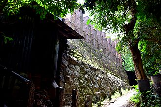 Tokoname ware - The Tōei kiln, largest climbing kiln (nobori-gama) in Japan