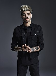 https://media.glamour.com/photos/56958105085ae0a85037019e/master/pass/entertainment-2015-03-zayn-malik-one-direction-main.jpg