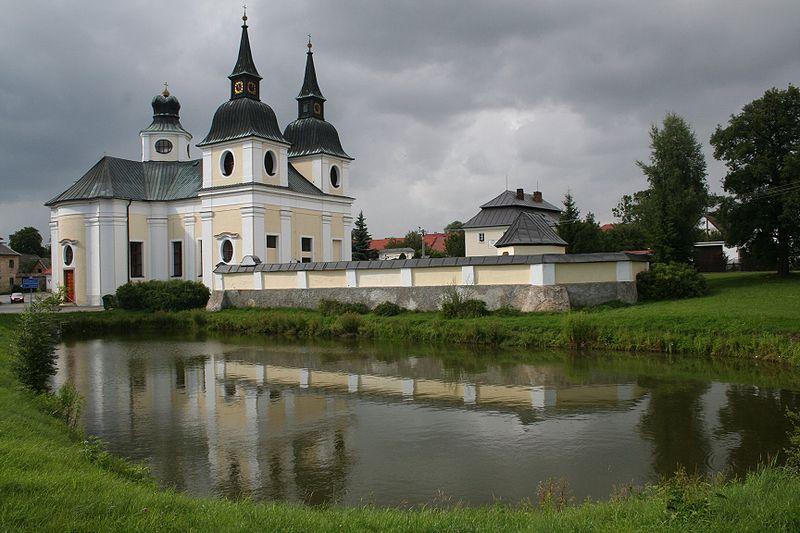 File:Zvole-kostel svateho Vaclava.jpeg