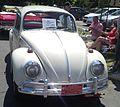 '66 Volkswagen Beetle (Auto classique St-Lambert '12).jpg