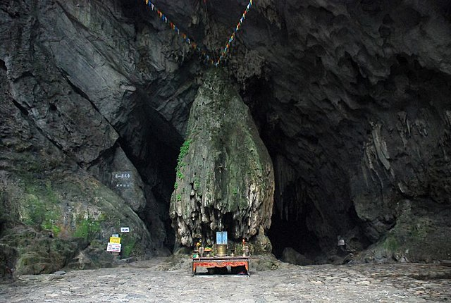 Huong-Tich-Höhle