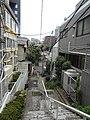 曙橋の断崖 - panoramio.jpg