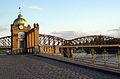 007 Pont del ferrocarril de Vyšehrad i rellotge de Výtoň.jpg