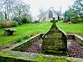 012 Fontaine chapelle Saint-Conogan.jpg