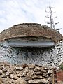 040 Turó de la Rovira, antiga bateria antiaèria i antena.jpg