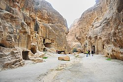05 Little Petra Canyon Trail - The Trail Starts at the End of Little Petra - panoramio.jpg